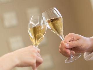 ◆乾杯!素敵なひとときをお過ごしください。 ※イメージ