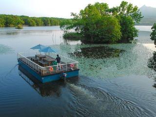 ◆「ターブル・ドゥ・リバージュ」船上にて、朝食クルーズ(イメージ)