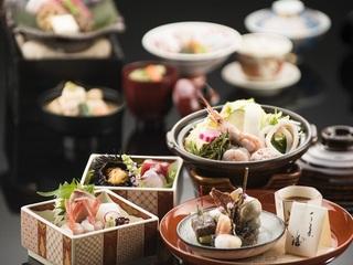 加賀屋ならではの真心のおもてなし。【潮彩の宴】期間限定宿泊プラン