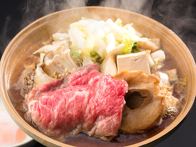 能登牛とキノコのすき焼き