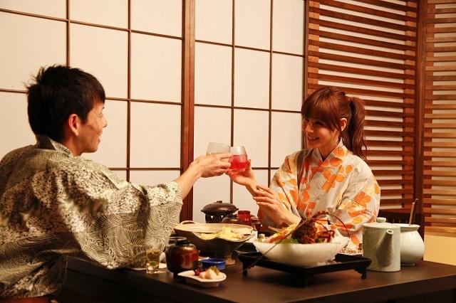 【時季のレストラン梅鉢亭】2012年7月オープンの半個室レストランです。