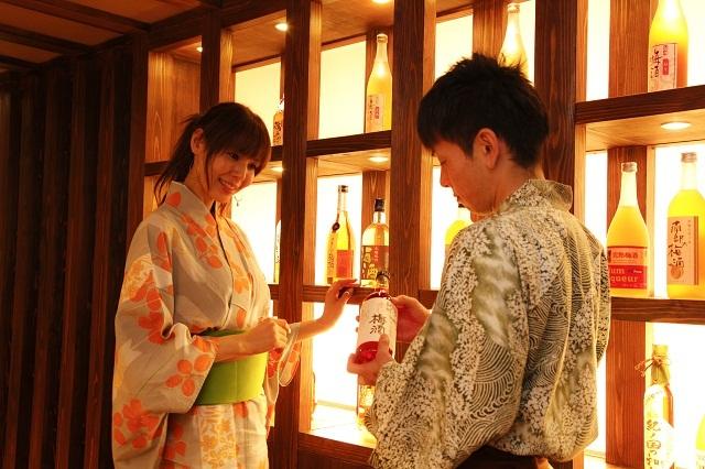半個室会席場「梅鉢亭」では40種類以上の和歌山産梅酒をお楽しみいただけます